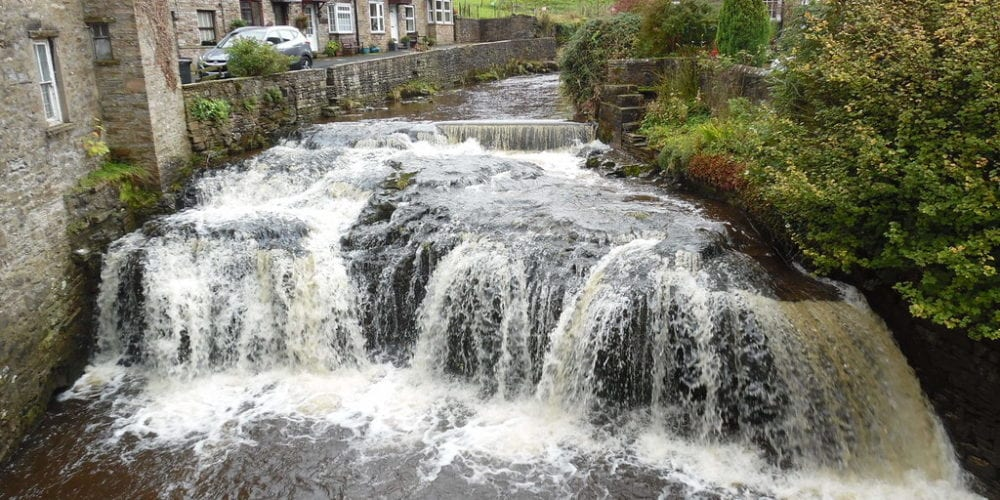 Hawes business waste - Weir and Waterfall, Hawes cc-by-sa/2.0 - © David Hillas - geograph.org.uk/p/5573217